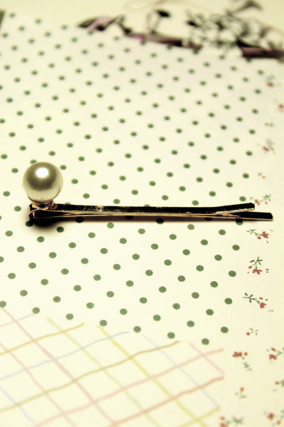 The Essential Pearl Hairpin