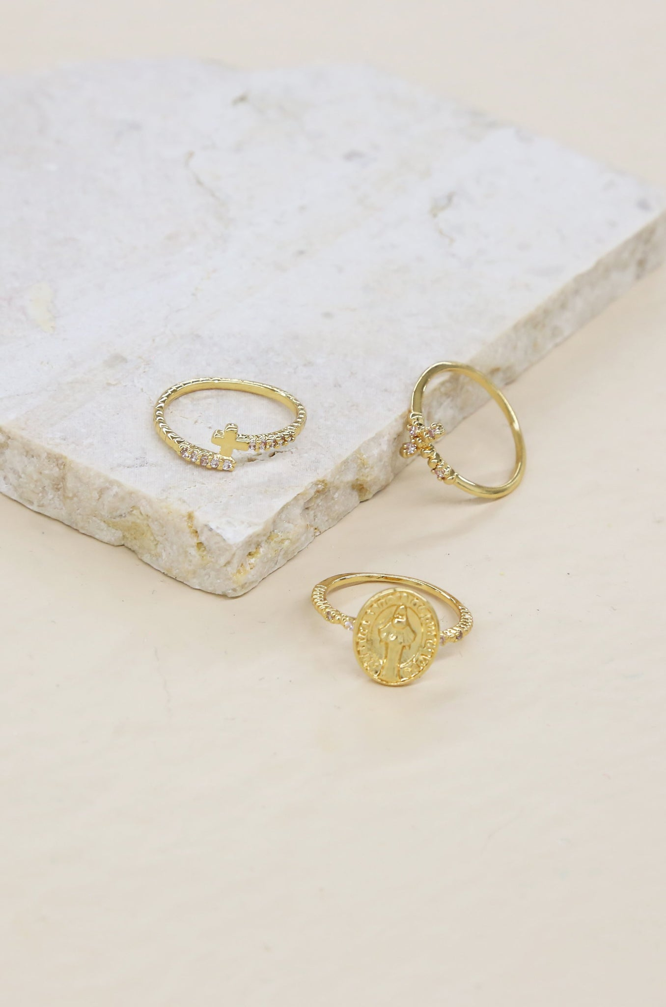 Faithful Ring Set in Gold