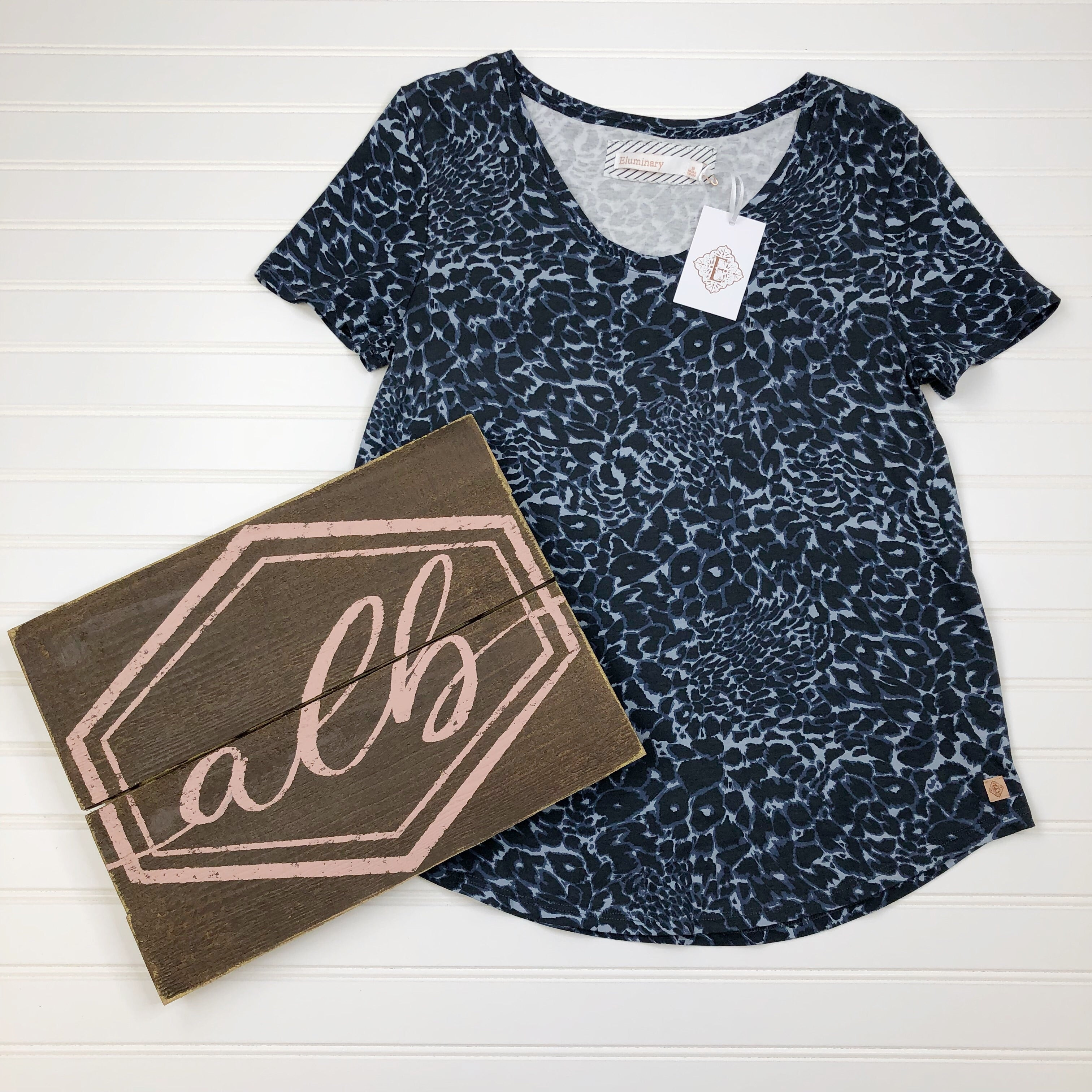 Ava Lane Boutique Women's clothing and accessories