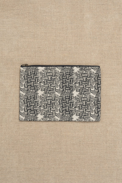 Pouch- Heavy Linen- M Rope Print- Raw