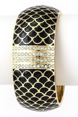 The Scales Textured Bracelet - Black - Daily Chic