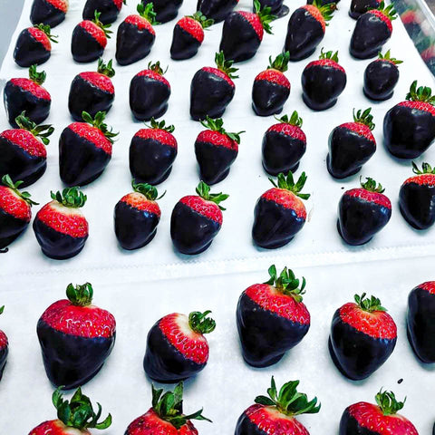Chocolate Covered Strawberries (must be ordered 24 hours in advance)