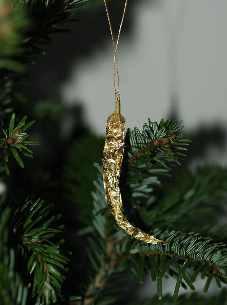 Coralie how - 22k gold leaf chilli pepper ornament