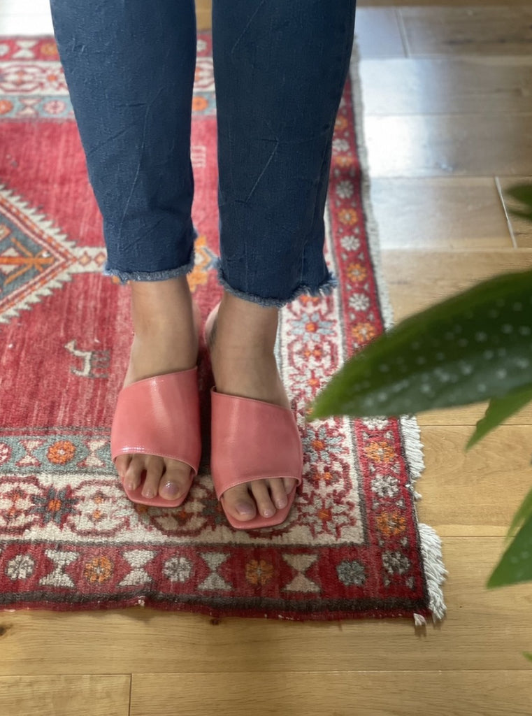 About Arianne - Mel Dahlia pink slip-on mules