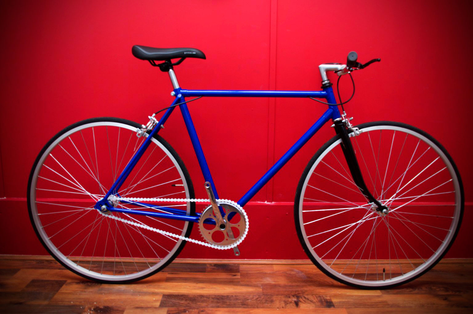 blue single speed racing bike