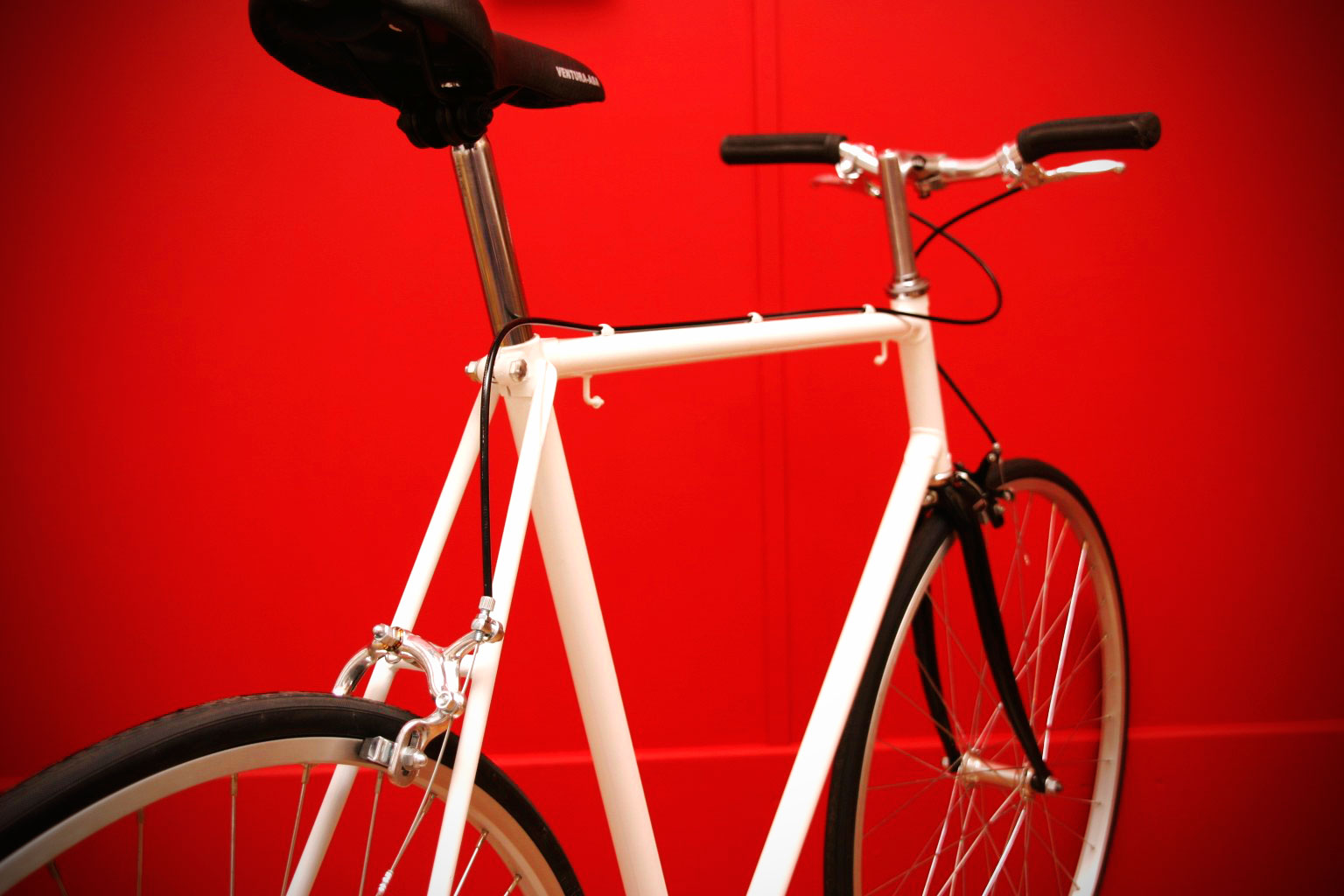 white raleigh racer