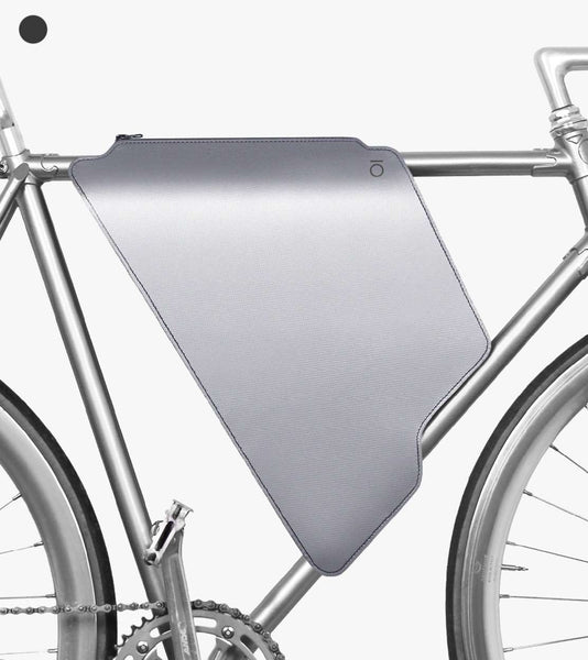 Lift Off Magnetar Silver cycling bag