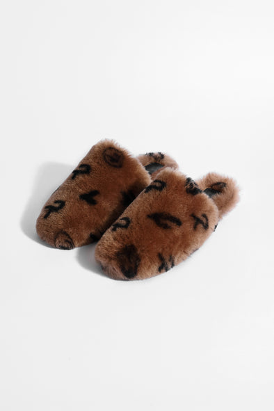 HOME EVERYWHERE SHEARLING SLIPPERS