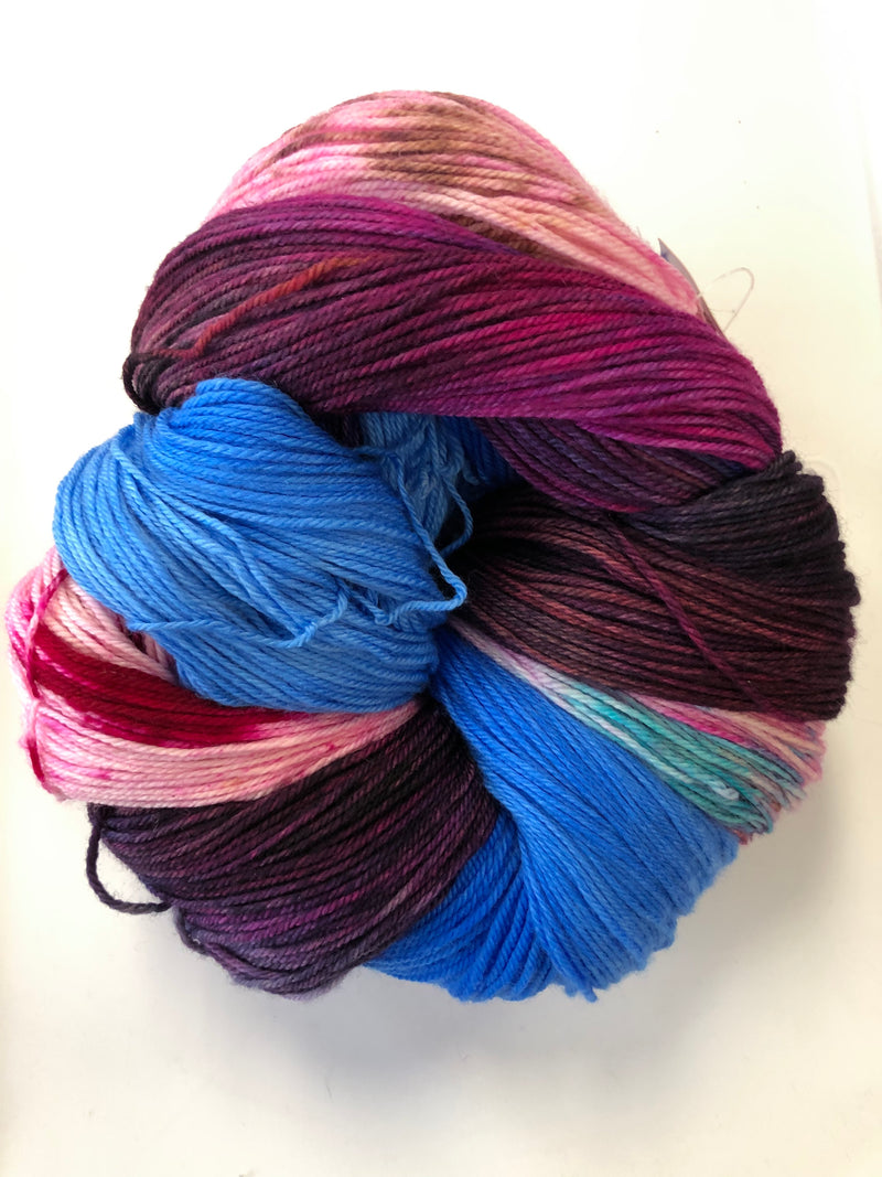 Yarn Bun 111 (Superfine Fingering)