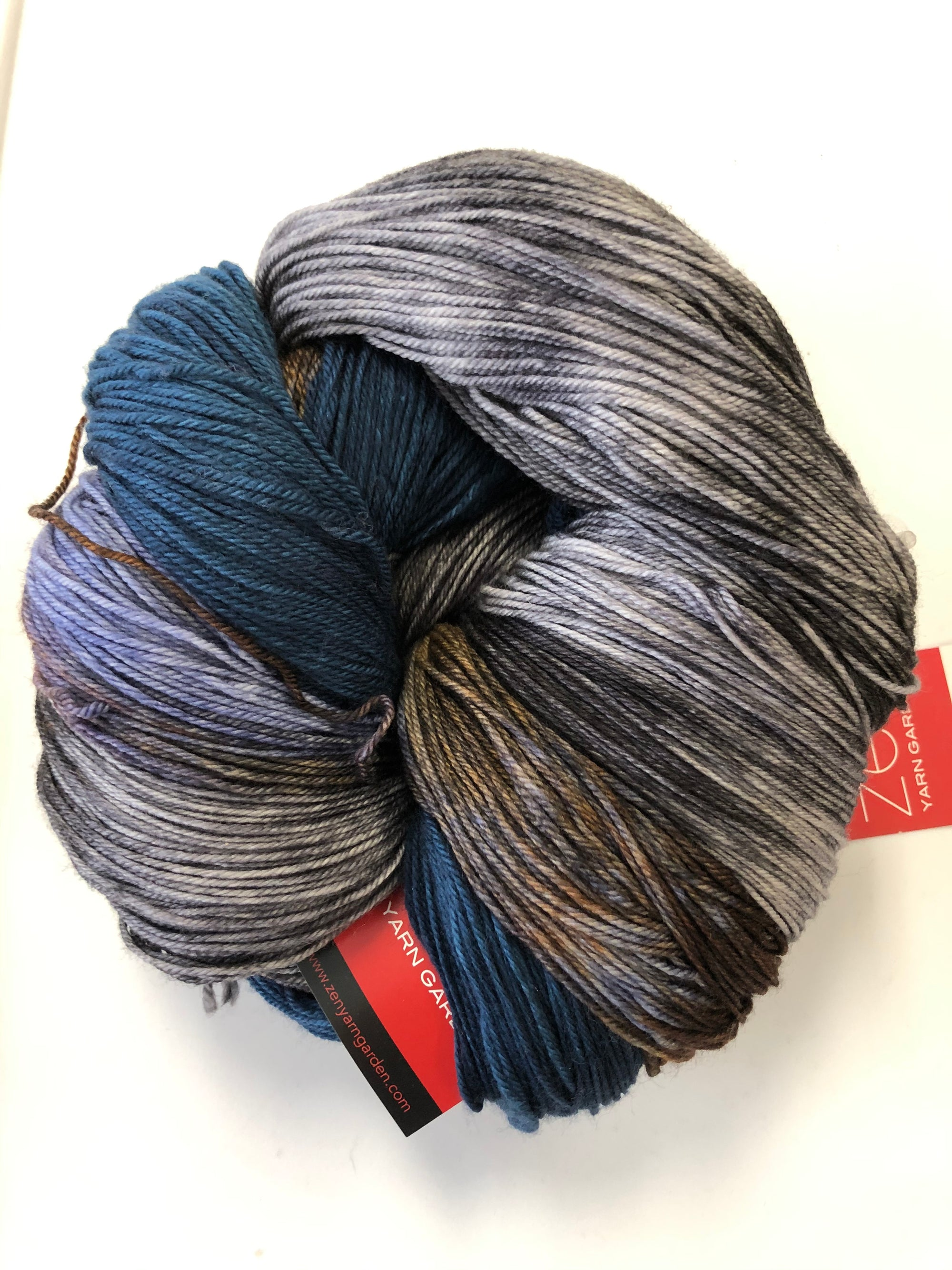 Yarn Bun 115 (Superfine Fingering)