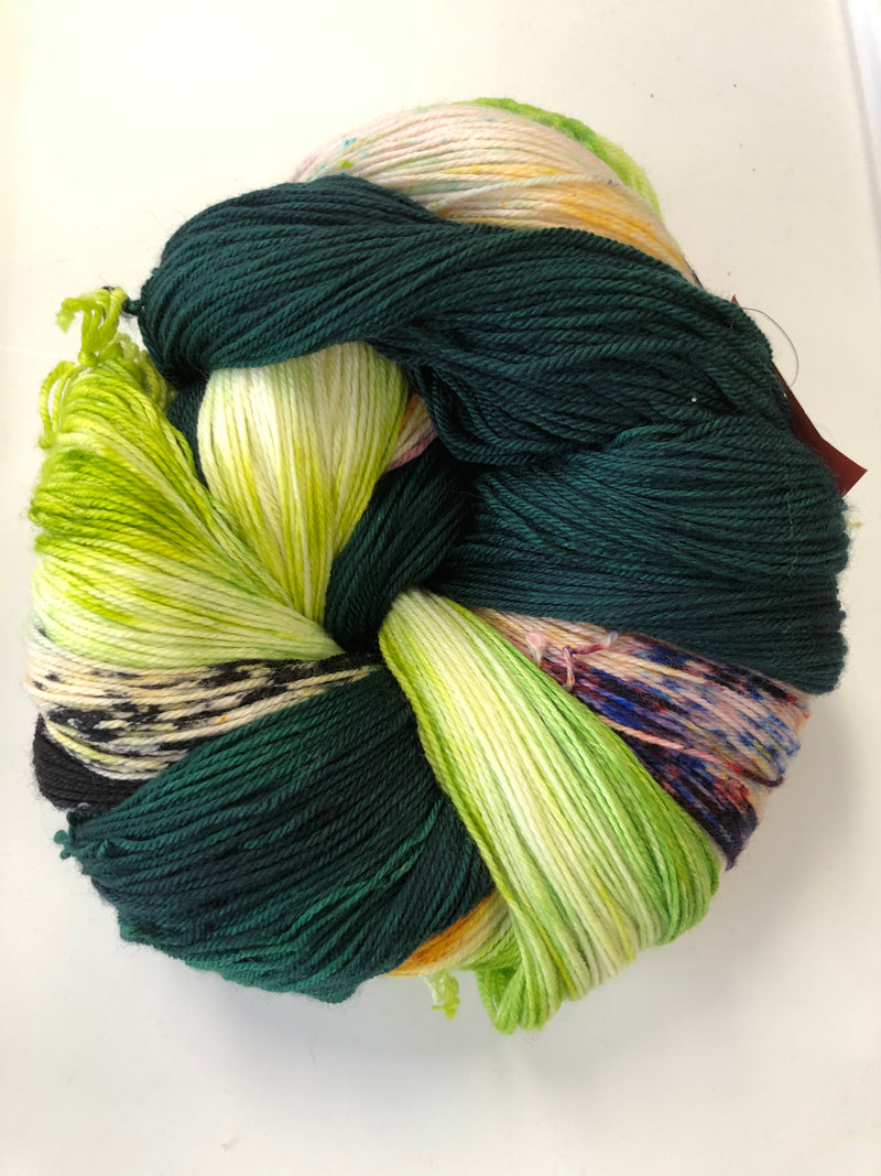 Yarn Bun 105 (Superfine Fingering)