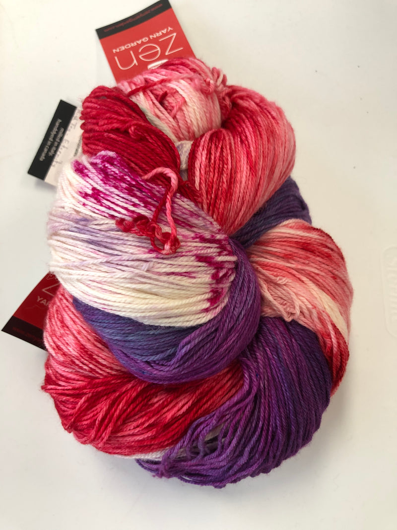 Yarn Bun 122 (Superfine Fingering)