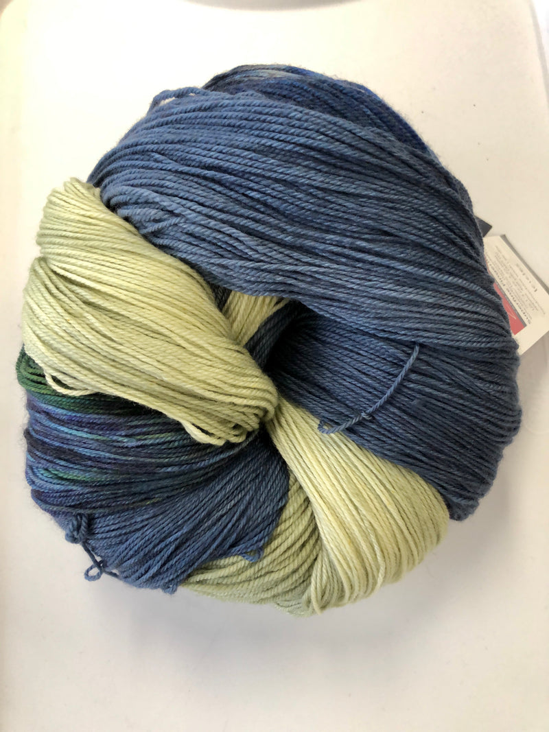 Yarn Bun 107 (Superfine Fingering)