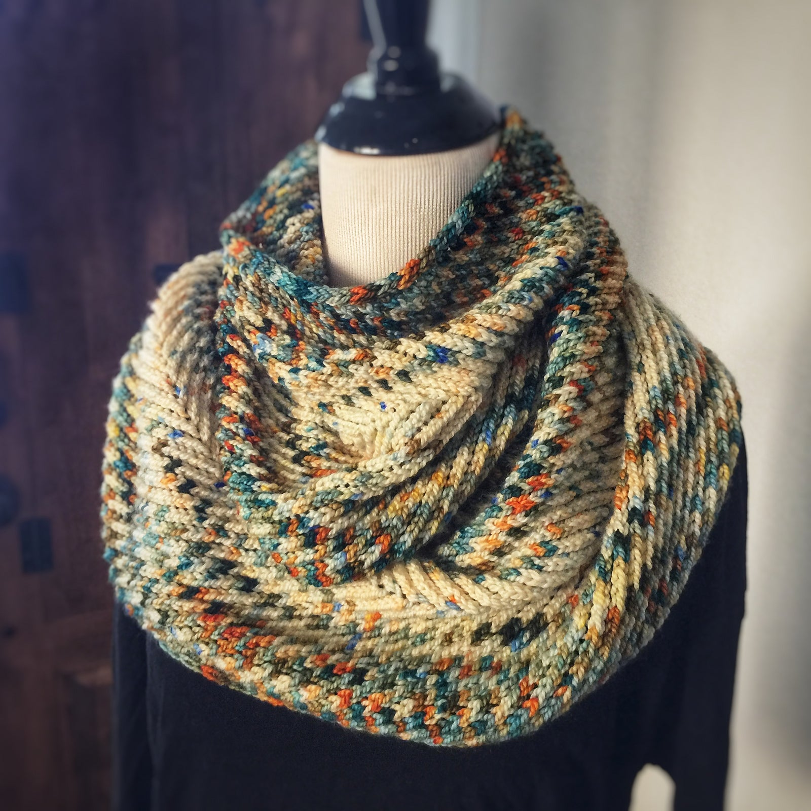 Strolling on Cloud 9 Cowl Kit & Knit a Long (PREORDER) & Tutorial Videos (option to add)