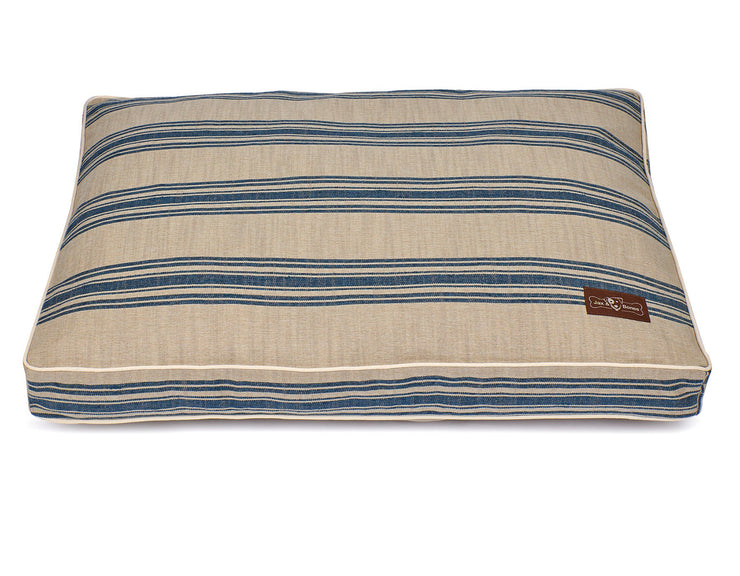 Hillside Waves Poly Blend Pillow Bed