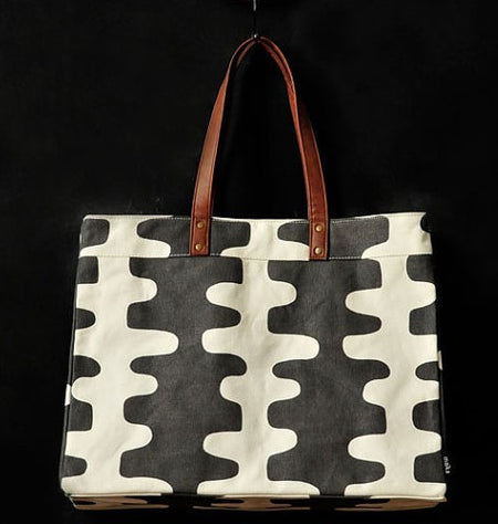 Echo Print Carryall Tote