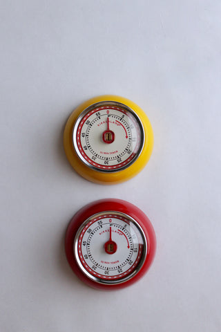 Magnetic Kitchen Timer in Red or Yellow