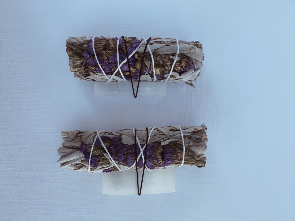 Divine Rejuvenation Flower Mini Sage Bundle w/ Selenite