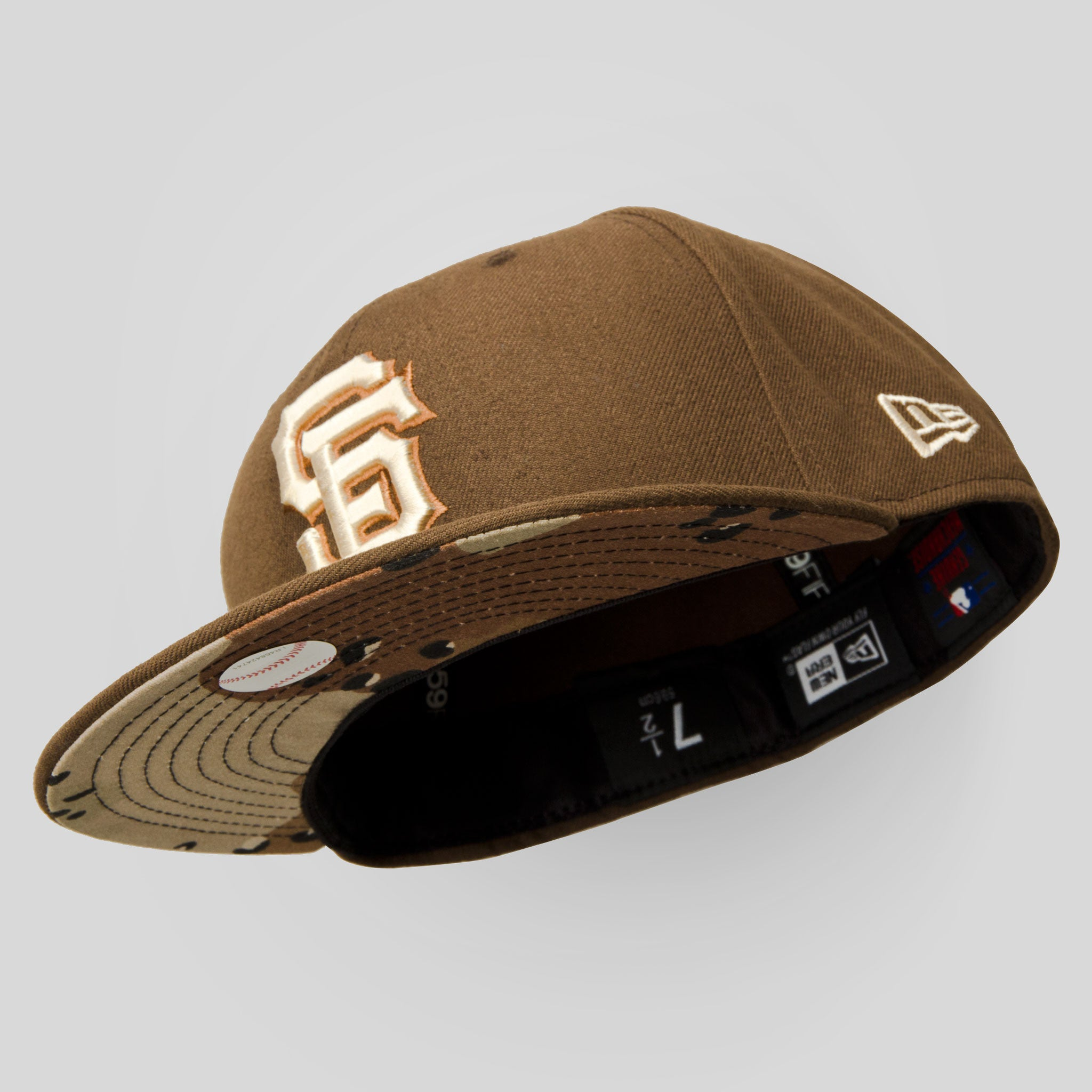 72a4c3ff930da ... netherlands upper playground lux sf giants new era fitted cap in brown  desert camo bd42c 5fcdb