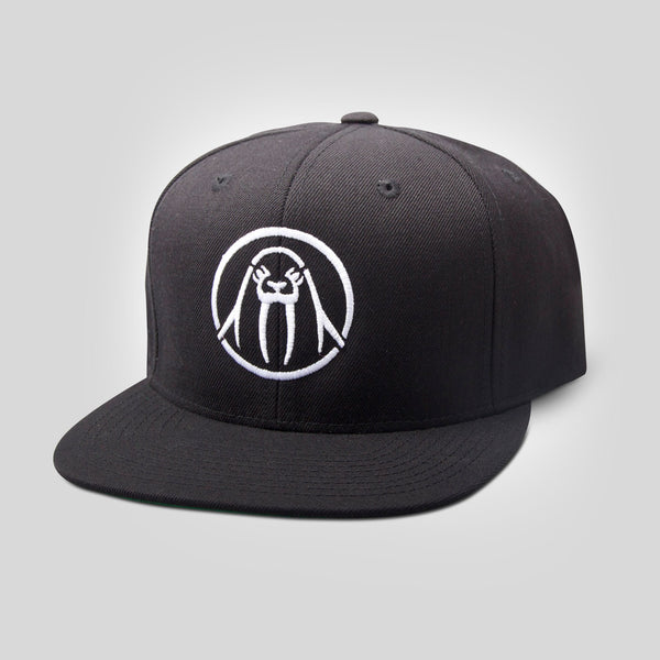 Upper Playground - Circle Logo Snapback in Black & White