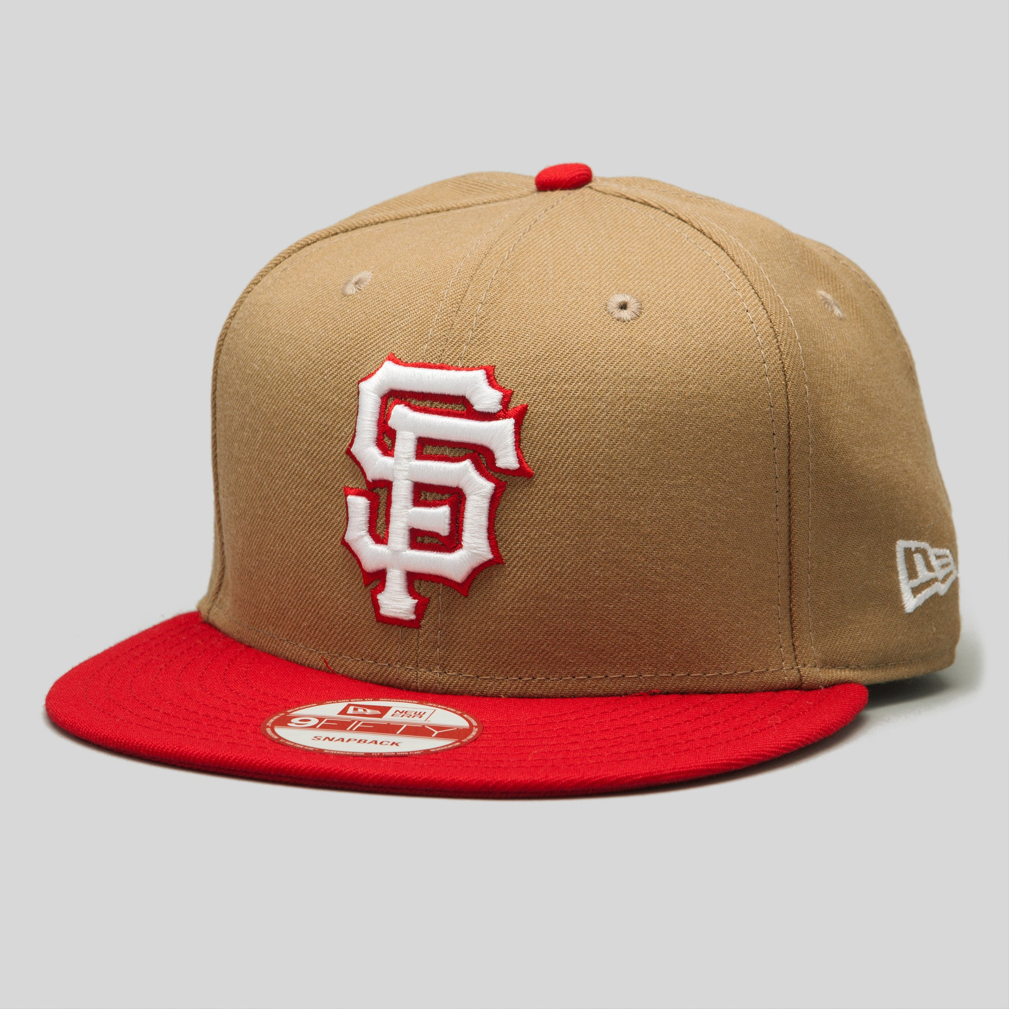 9cce12dde59 Upper Playground - Lux - SF Giants New Era Snapback Cap in Khaki Red