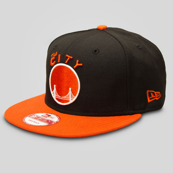 New Era - THE CITY New Era Snapback in Black/Orange