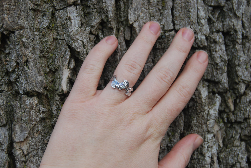 Leaf and moissanite ring