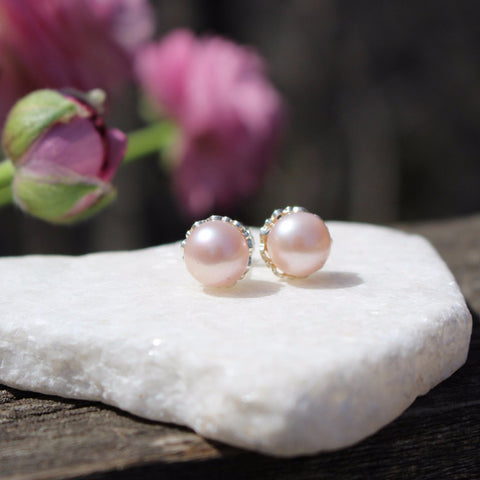 Detailed Pearl Studs