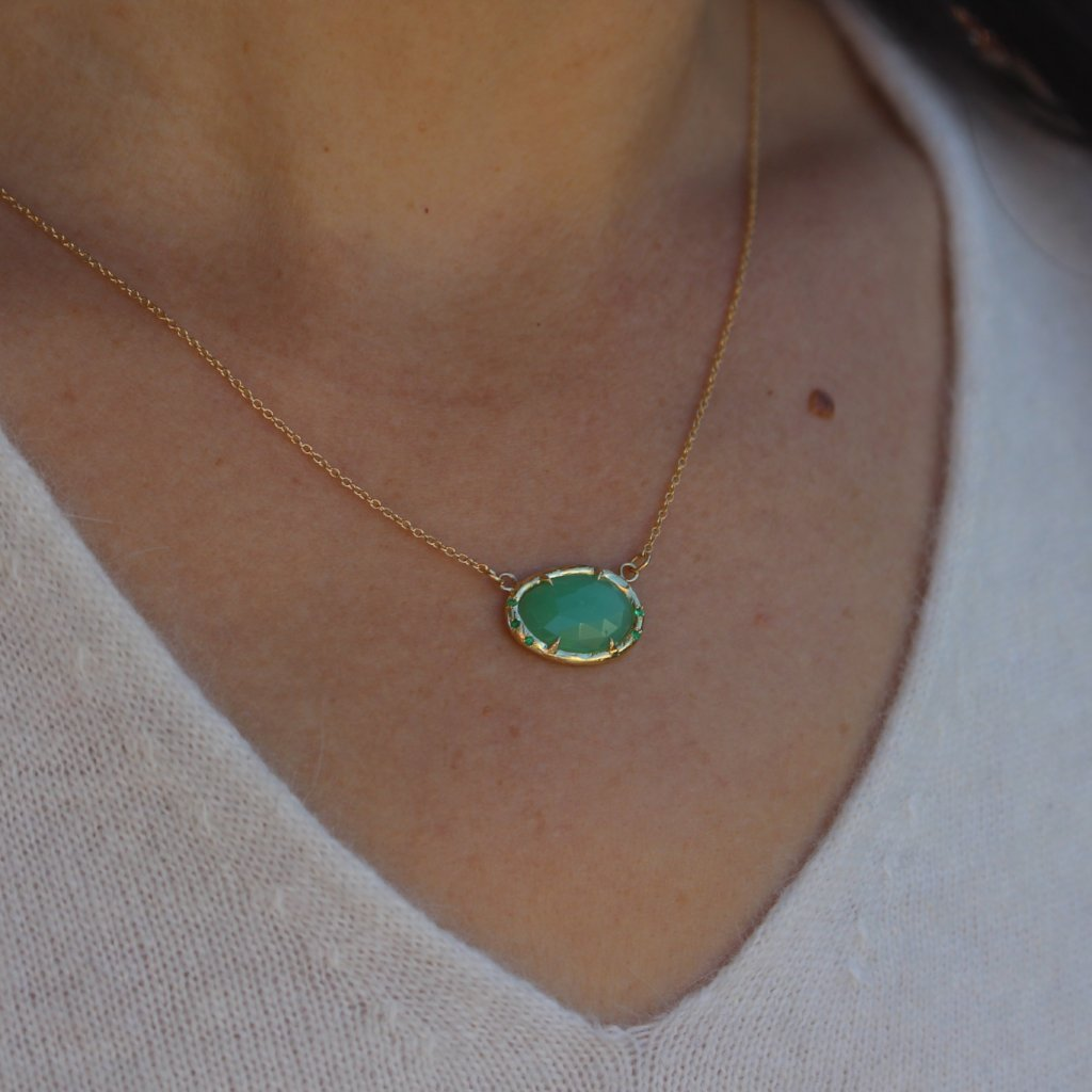 Chrysoprase and emerald necklace