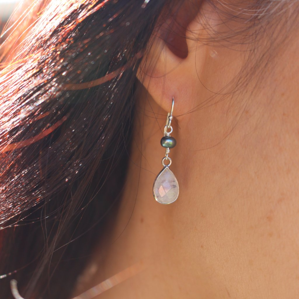 Drop gemstone earrings