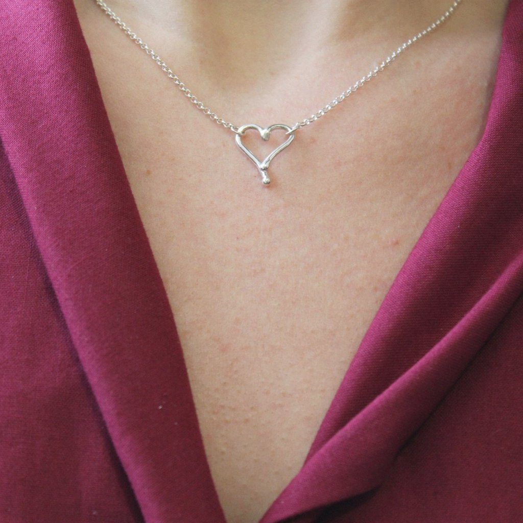 Medium heart necklace