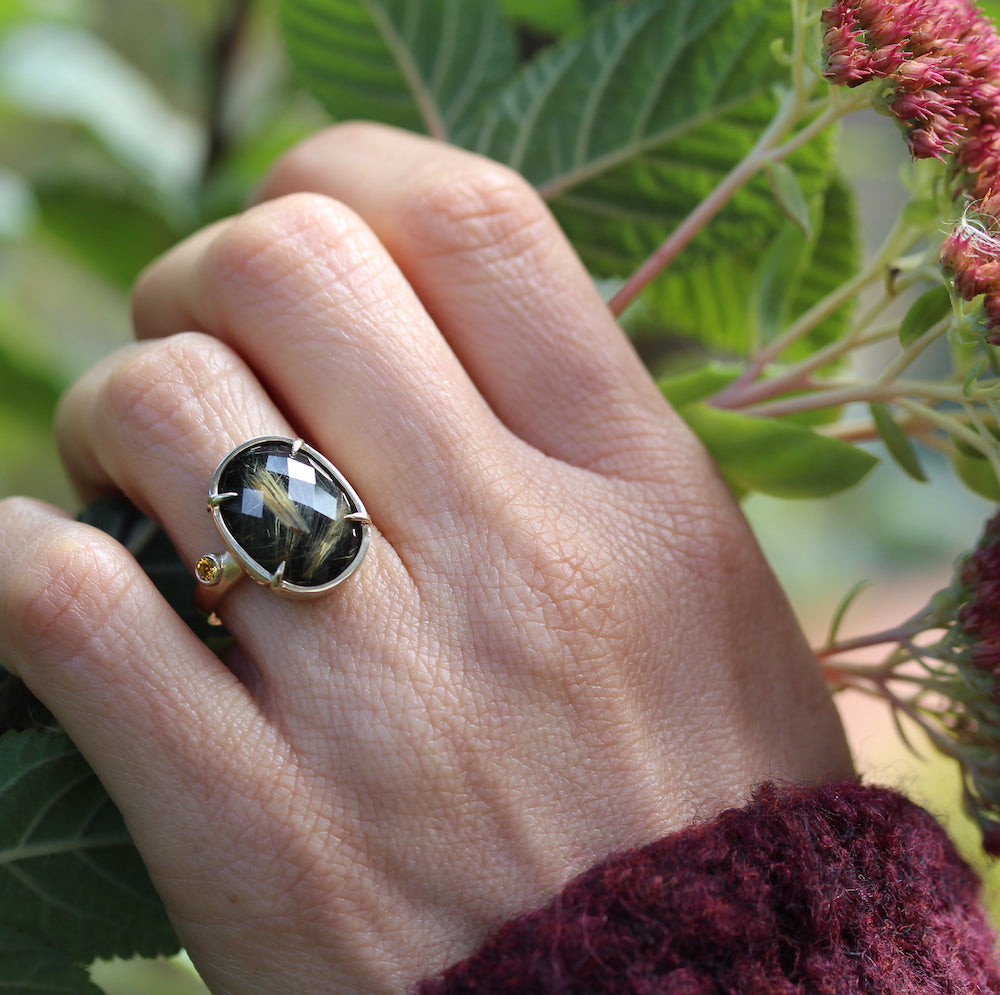 Rose cut Onyx Ring