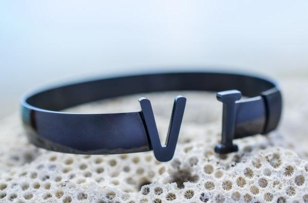 Original VI Bangle (Black)