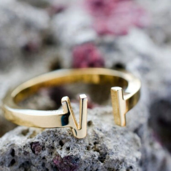Ladies VI Ring (Gold)