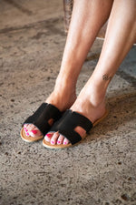 EVERLEIGH SANDALS IN BLACK