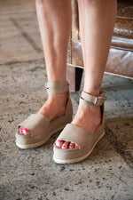 JANE ESPADRILLES IN TAUPE