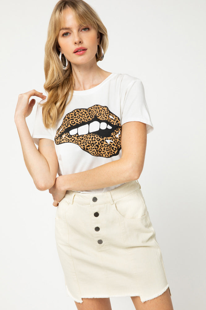 Shop CHEETAH LIPS TEE IN WHITE -- As You Go Boutique