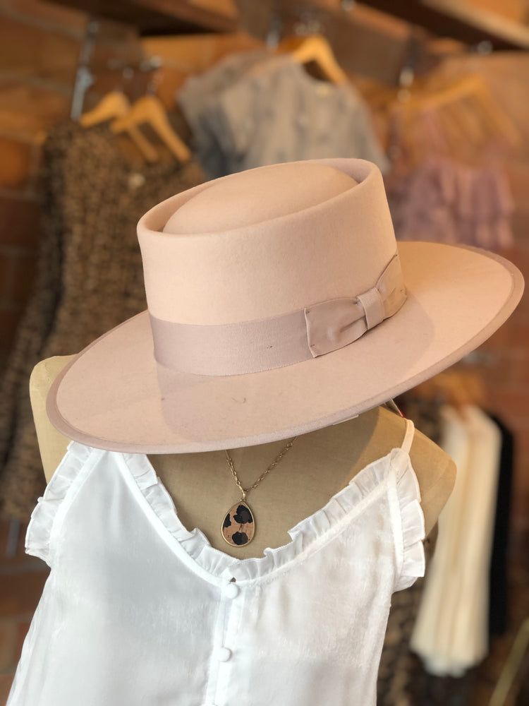 BLUSH WOOL HAT