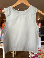 CROPPED SEAMLESS MUSCLE TANK IN GREY