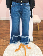 FRAYED TULIP FLARE JEANS CURVY