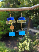 Load image into Gallery viewer, Let the Sun Shine Through Earrings