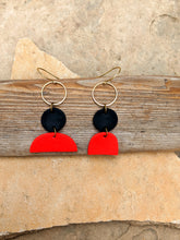 Load image into Gallery viewer, Curve Earrings