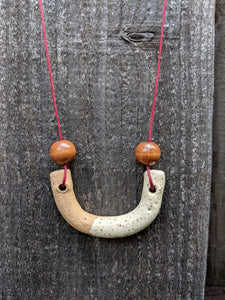 Icing Dipped Curve with Wood Beads Necklace