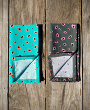 "Load image into Gallery viewer, ""It's Dinner Time"" Napkin Set #4"