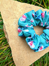 Load image into Gallery viewer, Hair Scrunchie!