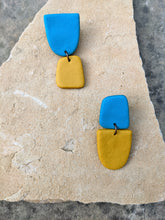 Load image into Gallery viewer, Beach Day Earrings