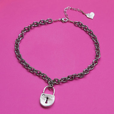 Lock You Down Chain Choker