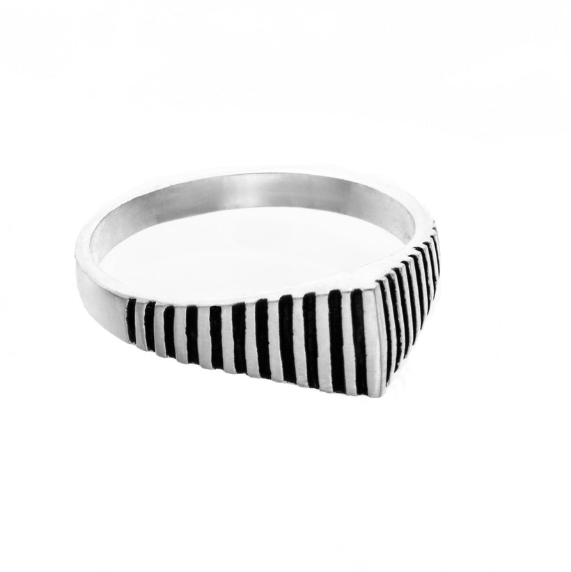 Giza Knuckle Ring