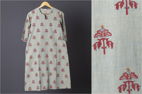 Daram Women Mangalgiri Cotton Hand Block Printed 3/4th Sleeves Kurti - S