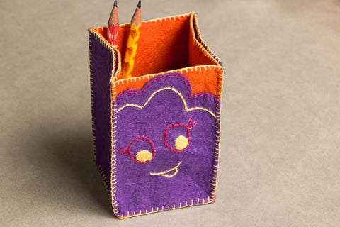 Threadwork Story Board Pen Stand - Smiley